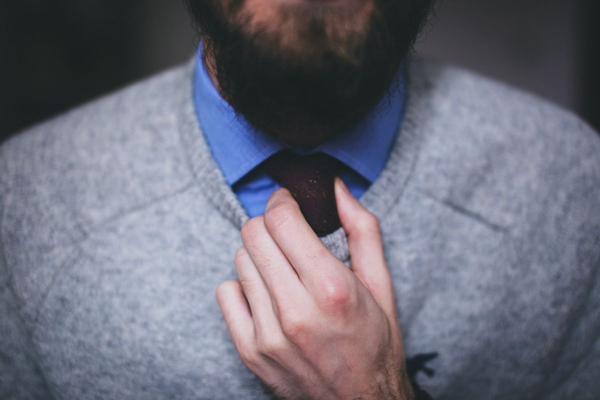 krawat-sweter
